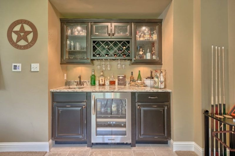 Weinheimer wet bar